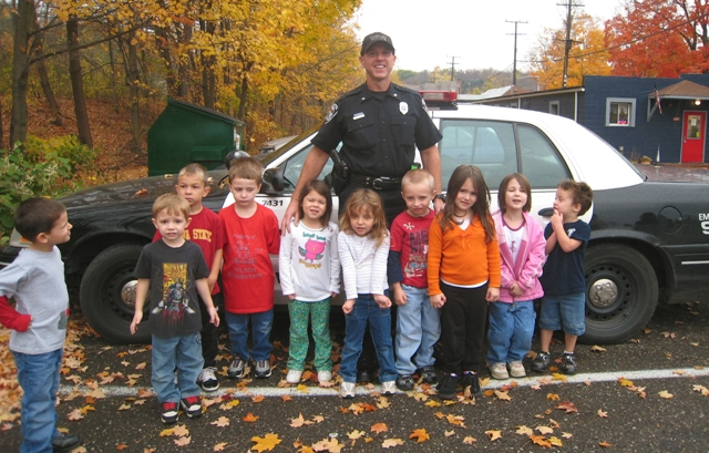 Officer Jeff O'Donnell visits Teddy Bear Village